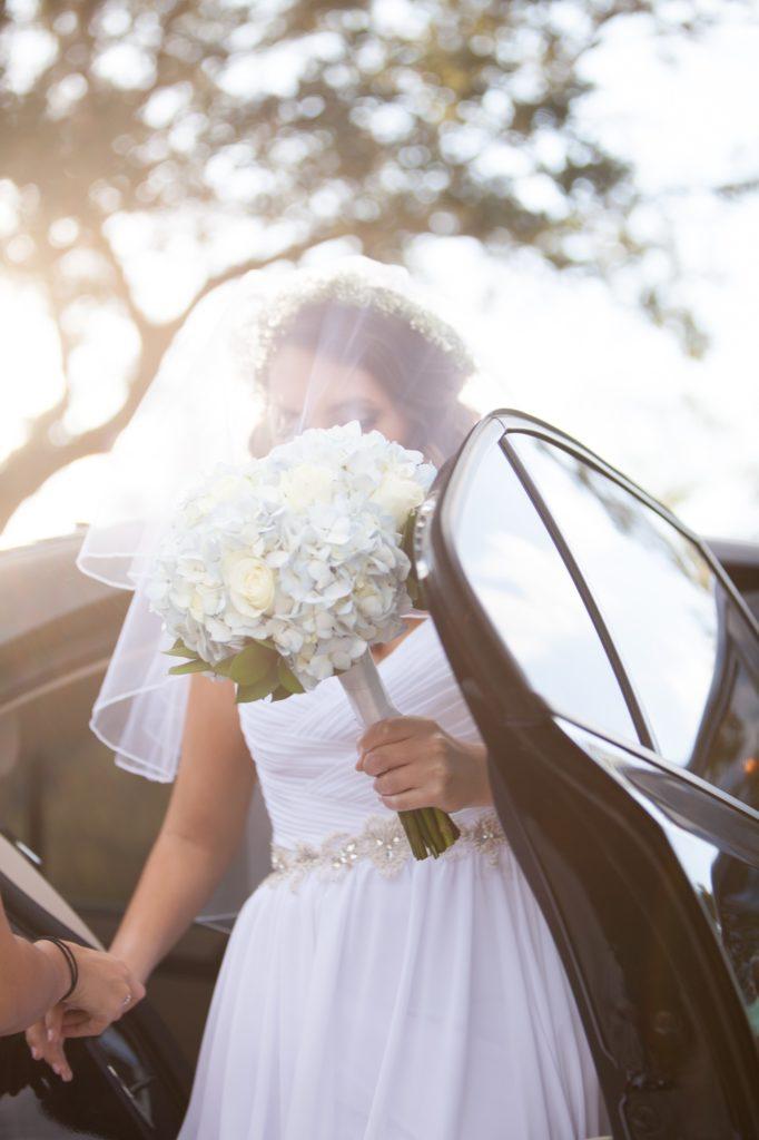 Bride arriving park wedding